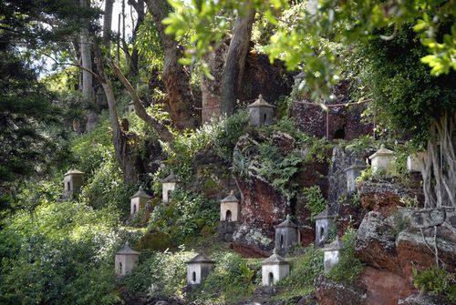 Lawai-shrines